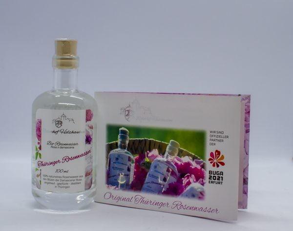 zu sehen ist Rosenwasser BIO in einer Glasflasche